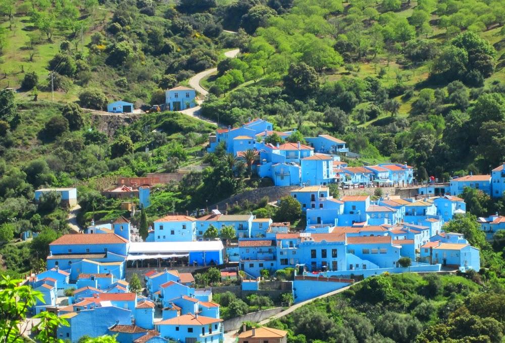 Juzcar Pueblo pintado totalmente de azul